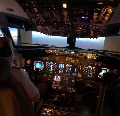 Privater Boeing 737-800 Simulator